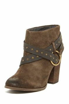 Love these ankle boots!