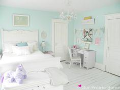 mint girl's room... emma wants turquoise...