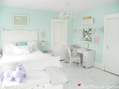 mint girl's room... emma wants turquoise...