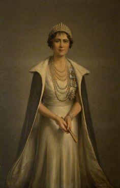 Frank Ernest Beresford — Queen Elizabeth Consort to George VI, 1937 : Angus Council, Scotland. George Vi, Royal Family Portrait, Munier, Lady Elizabeth, Royal King, European Dress, Elisabeth Ii, Isabel Ii, Her Majesty The Queen