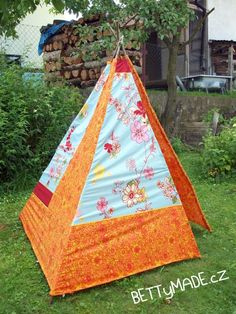 Very easy instructions for making a tee-pee. I am doing this in the spring, definitively.