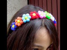 Diy Arts And Crafts, Craft Stick Crafts, Felt Crafts, Diy Headband, Headbands, Crochet Hair Accessories, Daisy Scouts, Pom Pom Crafts, Diy Hair Bows