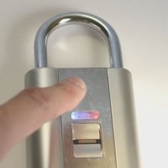 Fingerprint-Controlled Padlocks - This Fingerprint Padlock Makes Safety Personal (GALLERY)