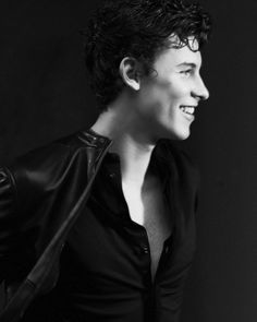 """1,953 curtidas, 15 comentários - Shawn Mendes Updates (@shawnmendesupdates1) no Instagram: """"Newly released photo of Shawn for @gqitalia •This photo has been officially released by the…"""""""
