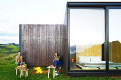 MAPA builds two prefabricated houses in Brazilian mountain landscape Prefab Modular Homes, Prefab Cabins, Prefabricated Houses, Journal Du Design, Building Companies, Mountain Landscape, Construction, Modern House Design, Modern Houses