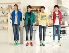 I wouldn't mind CNBlue in my kitchen :)