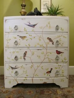 Decoupage birds, this is kinda cute. Though it would be the onl decoupage piece of it I did it like this in a room. Decoupage Dresser, Decoupage Furniture, Hand Painted Furniture, Paint Furniture, Repurposed Furniture, Shabby Chic Furniture, Furniture Projects, Furniture Makeover, Vintage Furniture