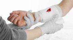 Первая помощь при кровотечениях. http://www.etolen.com/index.php?option=com_content&view=article&id=6926&Itemid=101