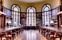 Bibliothèque Carnegie Reims Art And Architecture, Architecture Details, Monuments, Le Palais, Art Deco Fashion, Greek, Building, Places, Champagne