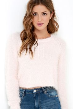 Softer than a cloud, the Billabong Liv Forever Pale Blush Cropped Sweater is heaven on earth! Pale blush eyelash knit has a fuzzy feel as it shapes a ribbed, rounded neckline and long, fitted sleeves trimmed with ribbed detailing. Straight-cut bodice ends at a cute, cropped length.