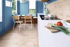 effet de bois sur une credence de cuisine peinture carrelage agencement cuisine faience cuisine