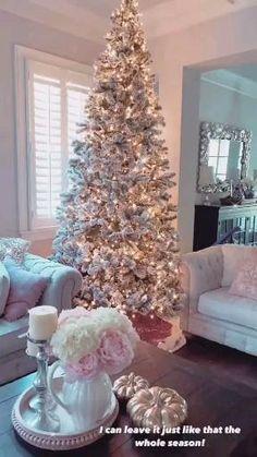 Luxury Christmas Decor, Elegant Christmas Trees, Christmas Mantels, Christmas Tree Themes, Pink Christmas, Rustic Christmas, Beautiful Christmas, All Things Christmas, Christmas Home