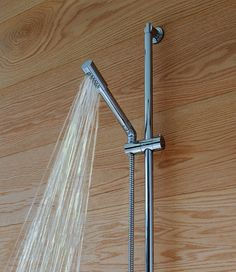 GROHE - Luxury fittings for exceptional bathrooms and kitchens. Our range of bathroom taps, showers, shower heads and kitchen mixer taps includes designs to suit all interior styles and budgets. Best Kitchen Faucets, Kitchen Faucet Reviews, Kitchen Mixer Taps, Bathroom Taps, Bathrooms, Shower Fixtures, Kitchen Fixtures, Toilet Accessories, Shower Kits