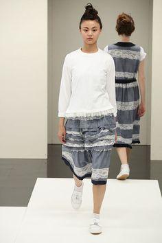 トリコ・コム デ ギャルソン(tricot COMME des GARÇONS)2017年春夏コレクション Gallery22