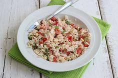 Zomerse rijstsalade (1 persoon): 75 gr rijst - 1/2 paprika - 1 lente ui - 50 gr gerookte kip - 1 eetlepel creme fraiche - 1 theelepel mayo - snufje peper - handje cashewnoten