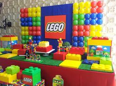 We work with children's party decorations - New Deko Sites Lego Themed Party, Lego Birthday Party, Boy Birthday Parties, 5th Birthday, Lego Parties, Ninjago Party, Lego Ninjago, Lego Balloons, Deco Lego
