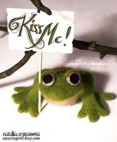 All Glory to the Frog Prince needle felted by amazingowl on Etsy    SO cute!