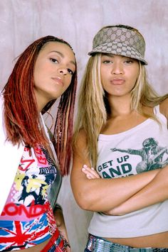 young Solange and Beyonce - Modern Hip Hop Fashion, 90s Fashion, Fashion Outfits, Fashion Killa, Bffs, Early 2000s Fashion, Beyonce Style, Black Girl Aesthetic, Aesthetic Pics
