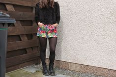 Girls (mostly women actually) wearing docs / Dr Martens boots / shoes. What's not to love?