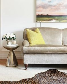I spoke with upholstery experts to answer some common questions about buying secondhand chairs and sofas. Glam Living Room, Glam Room, Living Rooms, Diy Interior, Interior Decorating, Interior Design, Decorating Tips, Textured Canvas Art, Textured Painting