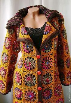 Bey beend rne granny square rgpedi casual clothing to update your weekend wardrobe T-shirt Au Crochet, Crochet Bolero, Pull Crochet, Gilet Crochet, Crochet Coat, Crochet Cardigan Pattern, Crochet Shirt, Crochet Jacket, Knitted Coat