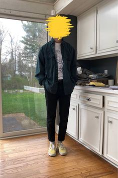 couldnt pull of yellow vans, consider the trousers rob Retro Outfits, Grunge Outfits, Trendy Outfits, Cool Outfits, Fashion Outfits, Male Outfits, Style Indie, Grunge Style, Soft Grunge