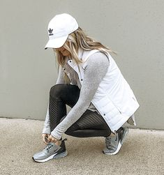 Athleisure casual outfit leggings outfit moto leggings puffer vest outfit w Puffer Vest Outfit, Leggings Outfit Winter, Leggings Fashion, White Vest Outfit, Black Leggings, Maroon Leggings, Tribal Leggings, Athleisure Outfits, Sporty Outfits