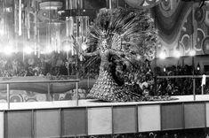 Desfile do concurso de fantasias do Teatro Municipal do Rio de Janeiro, 8 de fevereiro de 1971.