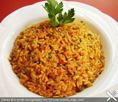 Griechischer Tomatenreis, lecker mit Paprika, Tomaten und verschiedenen Gewürzen. ein bischen Griechenland für zu Haus
