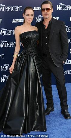 Golden couple: The actress Angelina Jolie was supported by her adoring fiance Brad Pitt for the event at the El Capitan Theatre Angelina Jolie Style, Brad Pitt And Angelina Jolie, Celebrity Red Carpet, Celebrity Style, Leder Outfits, Leather Dresses, Red Carpet Looks, Leather Fashion, Dame