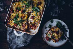 En olisi itsekään voinut uskoa, että elämäni onnistunein, siis niin vaan paras lasagne, olisi vegaaninen. Lähdin todellakin leikkiin vähän skeptisesti,… Healthy Gluten Free Recipes, My Recipes, Tasty, Yummy Food, Cheddar, Vegetable Pizza, Quiche, Vegan, Breakfast