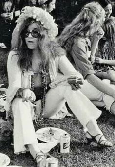 refresh ask&faq archive theme Welcome to fy hippies! This site is obviously about hippies. There are occasions where we post things era such as the artists of the and the most famous concert in hippie history- Woodstock! Hippie Style, 70s Hippie, Hippie Chick, Hippie Life, Happy Hippie, Janis Joplin, Acid Rock, Diana Ross, Rock And Roll