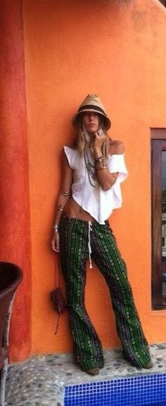 Boho Chic Summer look for a modern hippie allure. For the BEST Bohemian fashion style FOLLOW https://www.pinterest.com/happygolicky/the-best-boho-chic-fashion-bohemian-jewelry-gypsy-/ now