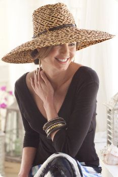 Woven Raffia Hat - Love this Hat & Look. Can add this to so much. Raffia Hat, Beauty And Fashion, Maxi Robes, Wearing A Hat, Love Hat, Turbans, Summer Hats, Mode Style, Belts For Women
