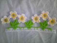 Video shows treble crochet but I did with double crochet to make smaller, as it .:separator:Video shows treble crochet but I did with double crochet to make smaller, as it . Crochet Car, Cute Crochet, Crochet Fringe, Crochet Designs, Crochet Patterns, Crochet Boarders, Crochet Garland, Tatting Lace, Crochet Videos