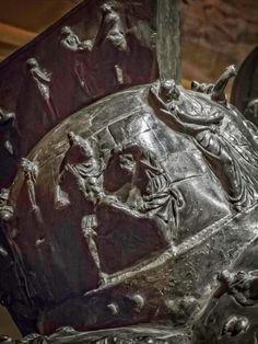Myrmillo-style bronze gladiator helmet with bas-relief depicting scenes from the Trojan War Herculaneum Roman Century CE Soldier Helmet, Roman Gladiators, Rome History, Gladiator Helmet, Roman Helmet, Roman Armor, Marshal Arts, Roman Artifacts, Trojan War