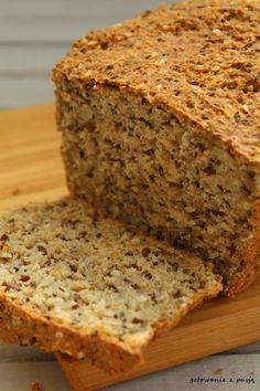 Brak chleba w domu mobilizuje mnie jeszcze bardziej do tego, aby upiec własny. Tym razem propozycja bez mąki, z samych ziaren. Wydawało nam...