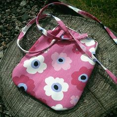 #kehyskukkaro - photos Instagram Little Girls, Coin Purse, Ladies Handbags, Purses, Photo And Video, Sewing, Lady, Wallets, Instagram