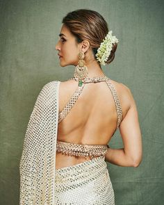 Looks To Steal From Ganesh Chaturthi Celebration Of Bollywood Celebs Indian Wedding Outfits, Indian Outfits, Wedding Dresses, Kriti Sanon Saree, Sari Bluse, Wedding Decor, Wedding Bride, Stylish Blouse Design, Indian Blouse