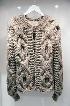 Beautiful chunky cardigan #knit