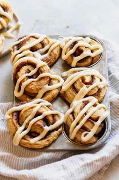 These perfect Cinnamon Roll Biscuits combine flaky, buttery biscuit dough with a spiced cinnamon butter and an irresistible honey butter cream cheese glaze. #cinnamonrolls #honeybutter #honey #cinnamon #biscuits Cinnamon Biscuits, Pumpkin Cinnamon Rolls, Cinnamon Butter, Buttery Biscuits, Honey Butter, Cinnamon Recipe, Peanut Butter, Fall Breakfast, Breakfast Bake
