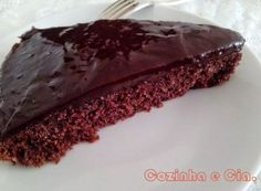 Torta delícia de chocolate e coco