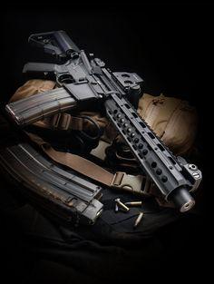 AR-15 SBR (short-barrelled rifle)