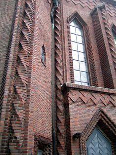 Kreuzkirche_Berlin_Backsteinornamentik.JPG (1704×2272)
