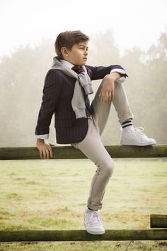 communie / lentefeest collectie 2018  Scapa Toddler Boy Photography, Little Boy Photography, Children Photography Poses, Little Boy Poses, Little Boy Outfits, Fashion Fotografie, Boy Photo Shoot, Outfits Niños, Fashion Outfits
