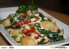 Gnocchi zapečené se špenátem a třemi druhy sýrů recept - TopRecepty.cz Pasta Recipes, Dessert Recipes, Desserts, Gnocchi, Bon Appetit, Potato Salad, Food And Drink, Vegetarian, Treats