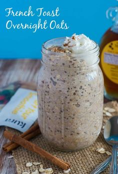 French Toast Overnight Oats ~ A simple, healthy and delicious protein packed breakfast that tastes just like French Toast and can be prepared the night before. Perfect for busy mornings! Healthy Snacks For Weightloss, Healthy Drinks, Healthy Recipes, Nutrition Drinks, Healthy Food, Drink Recipes, Healthy Breakfasts, Eating Healthy, Top Recipes