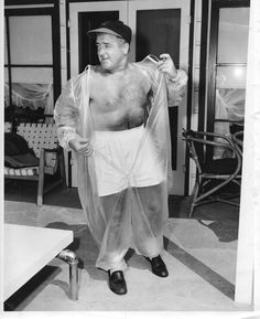 Lou Costello promoting a new weight loss suit called the Hollywood Silhouette Suit. Bud Abbott, Whos On First, Funny Comedians, Abbott And Costello, Hollywood, Weight Loss, Suit, Silhouette, Classic