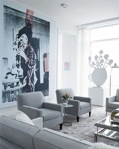 Odds are a fashion designer's home will be just as fabulous as their latest collection, and here are 24 photos to prove it. See how your favorite fashion designer's style carries into their home and what you can do to get the look. #home #interiordesign #fashion #fashiondesigners #designerhomes #hometour #homeinspo #decor #livingroom #bedroom #elledecor Interior Exterior, Home Interior Design, Home Renovation, Fashion Designer, Living Styles, Elle Decor, Soft Furnishings, White Photography, Homes