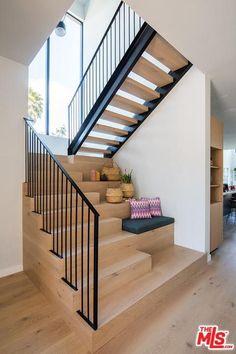 4206 Kenyon Ave, Los Angeles, CA 90066 - realtor.com® Home Stairs Design, Interior Stairs, Home Interior Design, Staircase Design Modern, House Staircase, Open Staircase, Modern Stairs, Modern Architecture House, Building A House